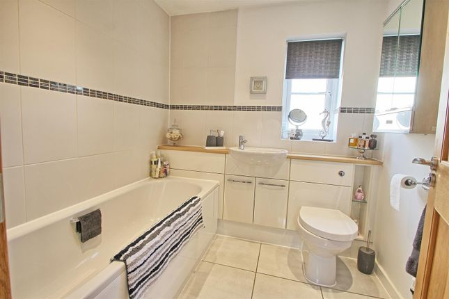 Bathroom of Hempstalls Close, Hunsdon, Ware SG12