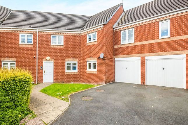 Thumbnail Flat for sale in Smallshire Close, Wednesfield, Wolverhampton