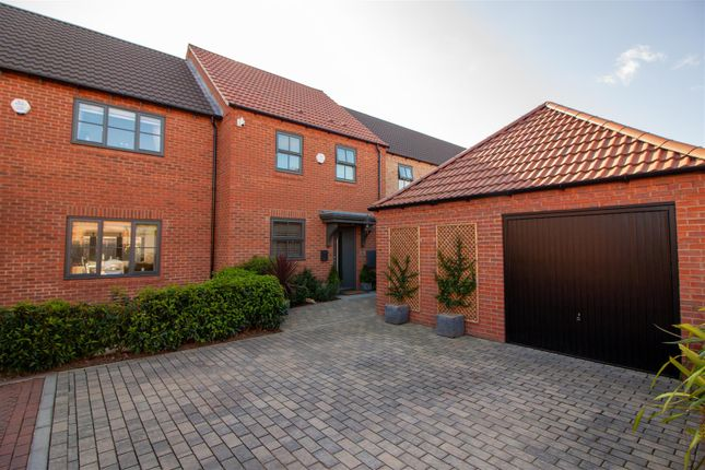 Thumbnail Cottage for sale in Idle Valley Road, Retford