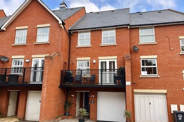 Thumbnail Terraced house for sale in Sandringham Drive, Dartford