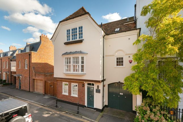 4 bed property for sale in St. Peters Lane, Canterbury CT1