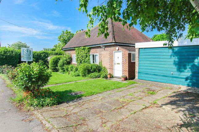 Thumbnail Detached bungalow for sale in Fernlea Road, Burnham-On-Crouch