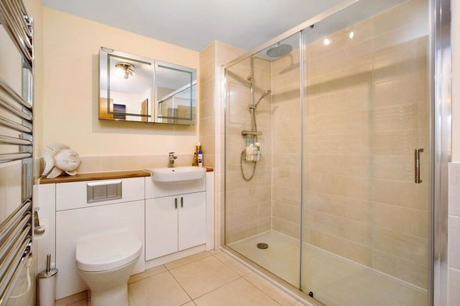 En-Suit Bathroom of Pincombe Court, Buckingham Close, Exmouth EX8