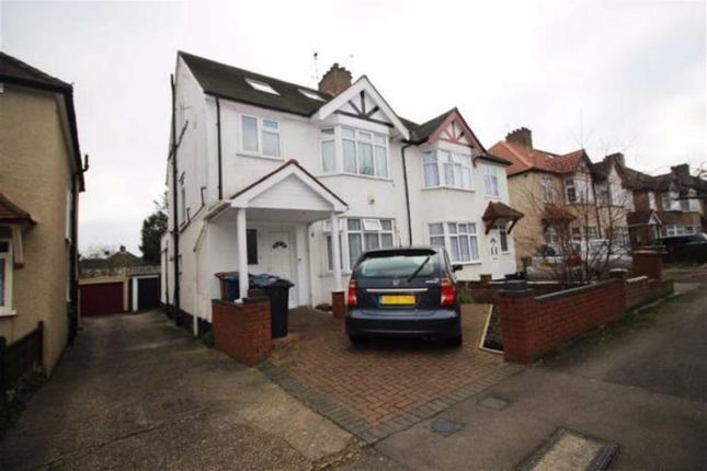 Thumbnail Flat to rent in Buckingham Road, Edgware, Middlesex