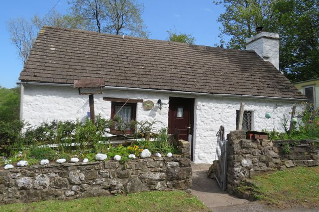 Thumbnail Cottage for sale in Llandyfan, Ammanford