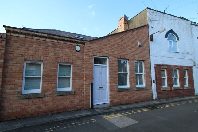 Thumbnail Terraced house to rent in Royal Crescent Lane, Scarborough
