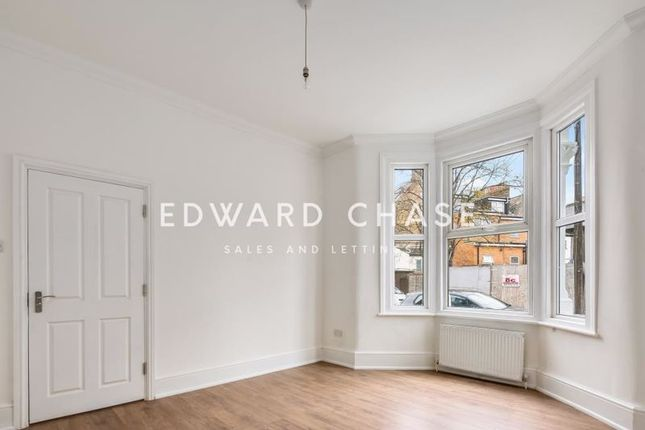 4 bed terraced house to rent in Trelawn Road, London E10