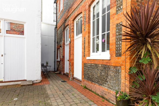 2 bed terraced house for sale in Goldsmid Mews, Farm Road, Hove BN3