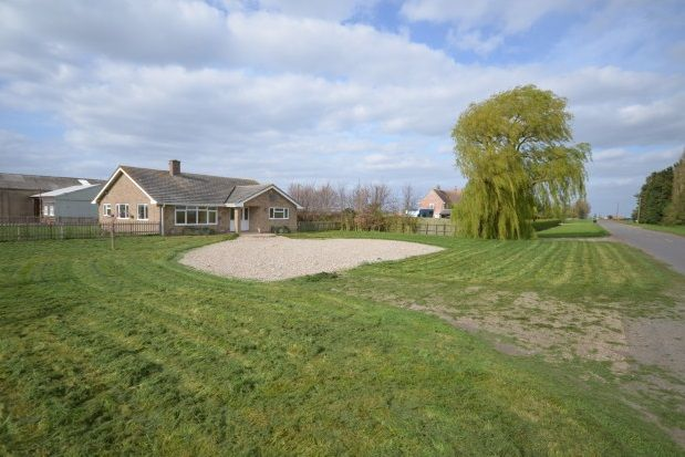 Thumbnail Bungalow to rent in Straight Furlong, Pymoor, Ely