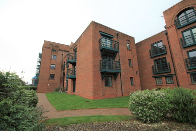 2 bed flat to rent in Hoole Lane, Chester CH2