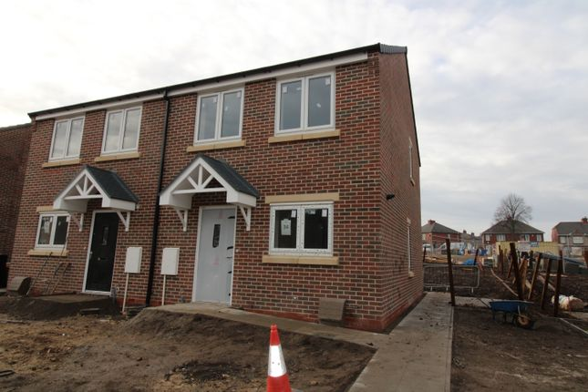 3 bedroom semi-detached house for sale in Nanny Marr Road, Darfield