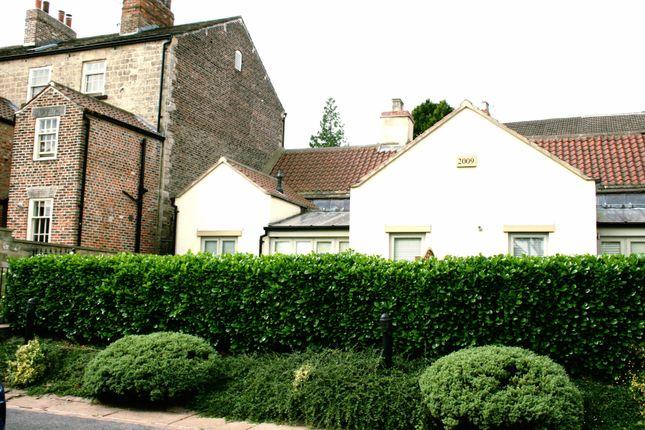 Thumbnail Bungalow to rent in High Street, Knaresborough