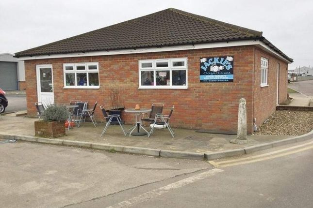 Thumbnail Restaurant/cafe for sale in Old Airfield Industrial Estate, Tring