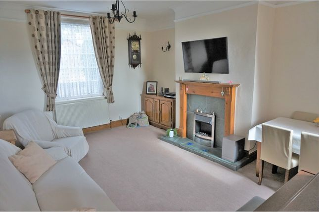 Thumbnail Terraced house for sale in Barnsley Road, Wakefield