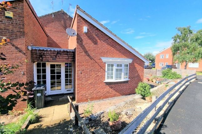 Thumbnail Bungalow for sale in Ebourne Close, Kenilworth