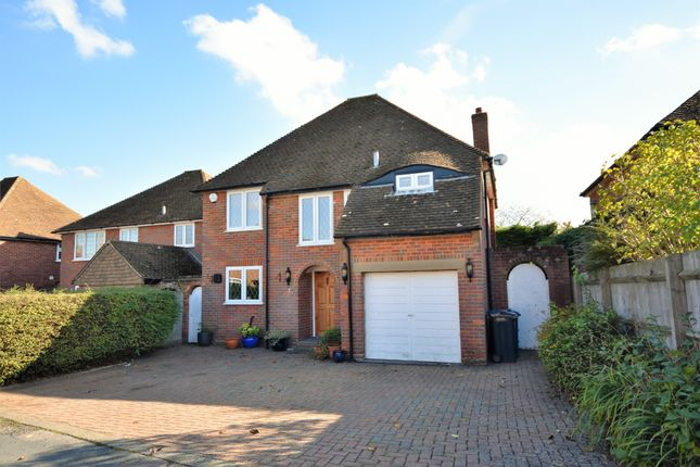 Thumbnail Detached house for sale in Cross Meadow, Chesham