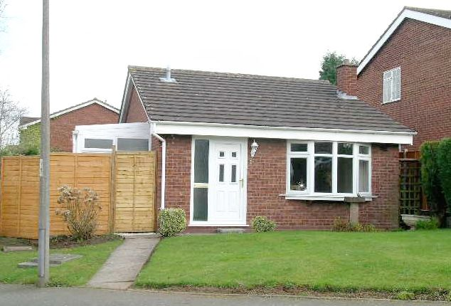 Thumbnail Detached bungalow to rent in Cheviot, Wilnecote, Tamworth, Staffordshire