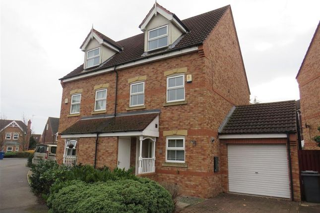 Thumbnail Property to rent in Fewston Way, Doncaster