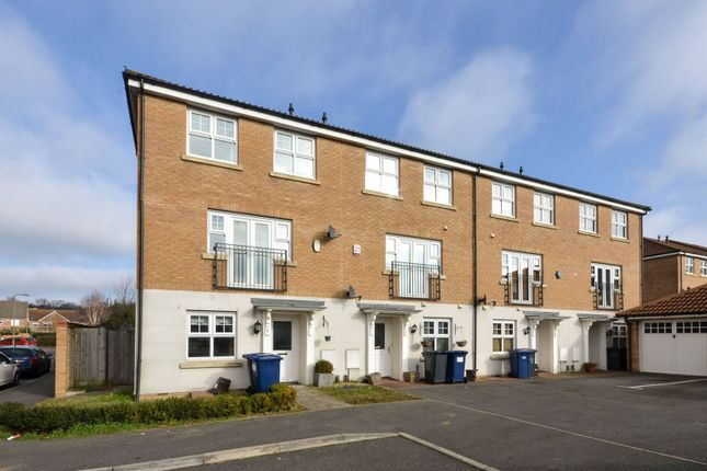 Thumbnail Property for sale in Bampton Drive, Mill Hill