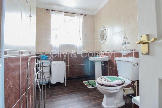 Bathroom of Dogsthorpe Road, Peterborough PE1