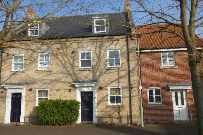 Thumbnail Town house to rent in Spring Lane, Bury St. Edmunds