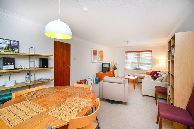 Thumbnail Flat To Rent In Henley Court Road Brighton