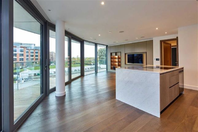 Thumbnail Property for sale in Goldhurst House, Fulham, London