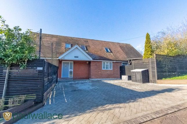 Thumbnail Detached house for sale in Hamlet Hill, Roydon, Harlow