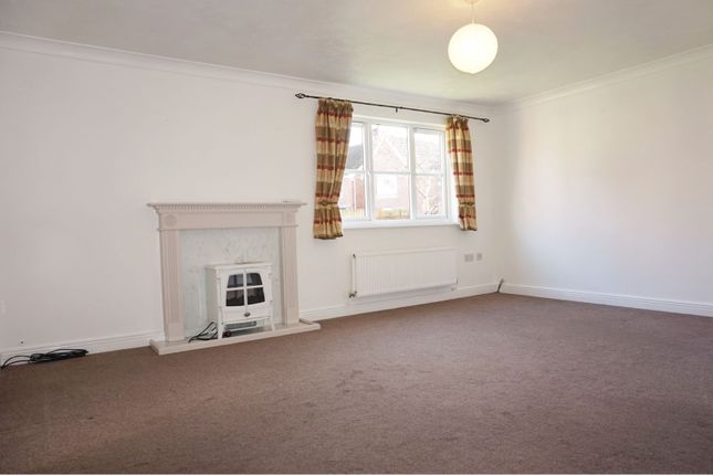 Living Room of Cashford Gate, Taunton TA2