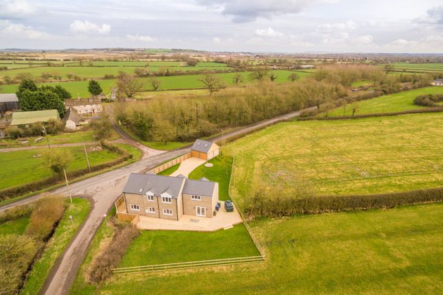 Thumbnail Detached house for sale in Hayes Knoll, Purton Stoke, Swindon