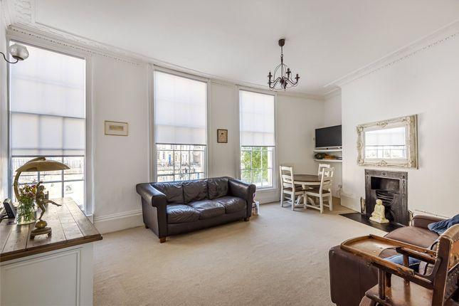 Living Room of Cleveland Place West, Bath, Somerset BA1