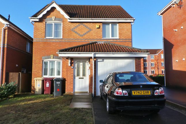3 bed property to rent in Pear Tree Drive, Farnworth, Bolton BL4