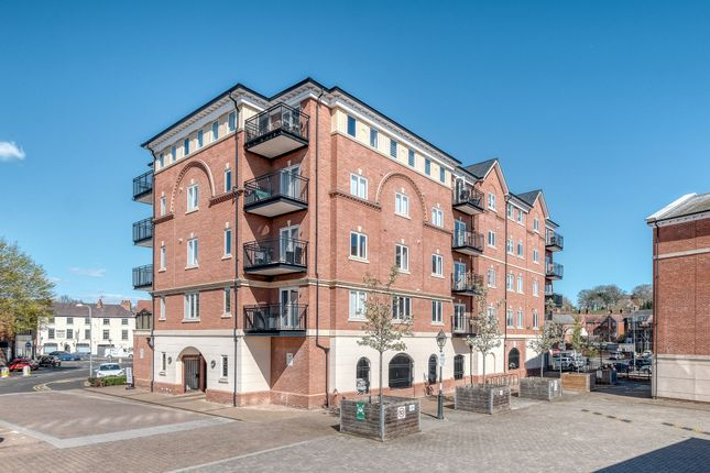 Thumbnail Flat to rent in St Peters Street, Worcester