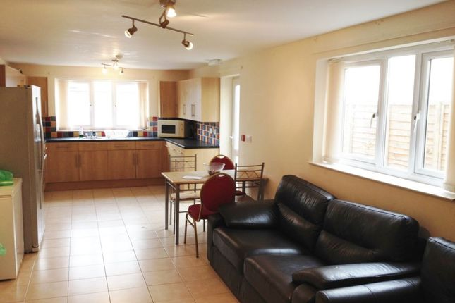 Thumbnail Property to rent in Llanbleddian Gardens, Cathays, Cardiff