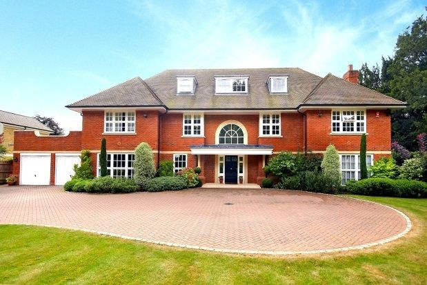 Thumbnail Property to rent in Burwood Park, Walton-On-Thames, Surrey