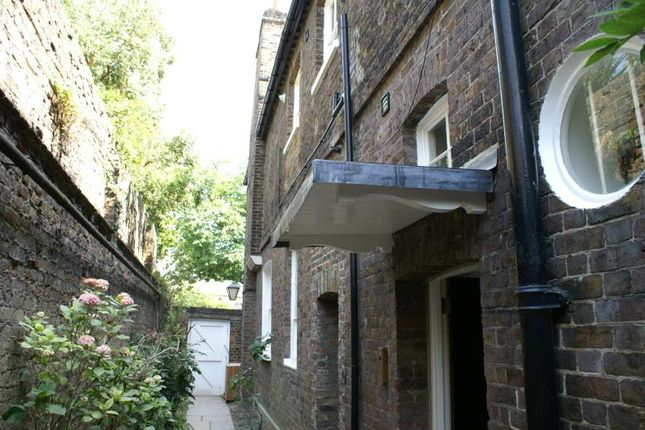 Thumbnail Terraced house to rent in Kings Lodge, 33 Kew Green, Kew
