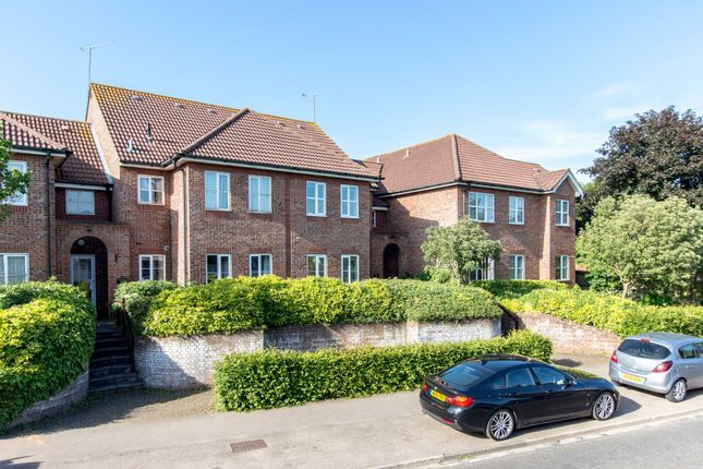 Thumbnail Flat for sale in Abbotsbury Crt, The Brow, Watford