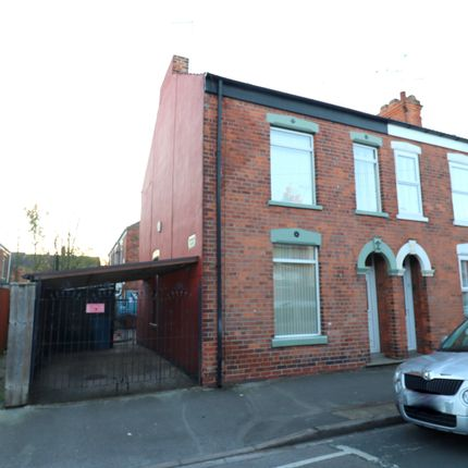 3 bed terraced house for sale in Lee Street, Hull, Yorkshire HU8