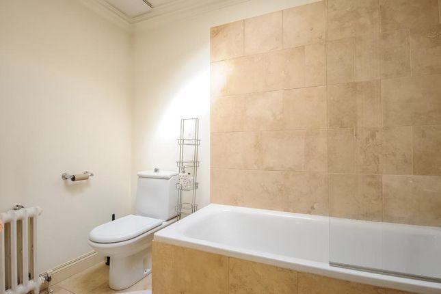 Bathroom of Kensington Square W8,