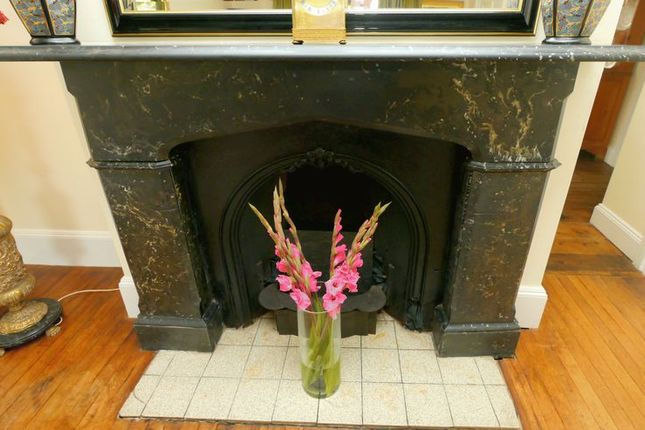 Fireplace of Thornhill Road, South Marston, Swindon SN3