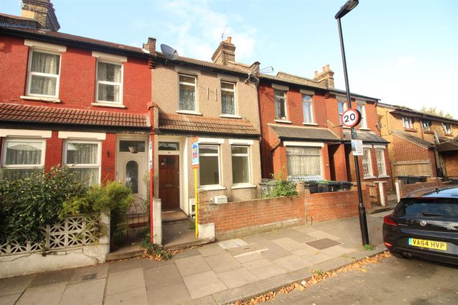 Thumbnail Flat for sale in Park View Road, London
