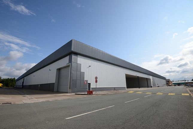 Light industrial to let in Unit 19, Triumph Business Park, Speke, Liverpool, Merseyside