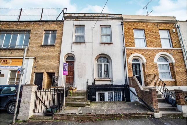 Terraced house in  Edwin Street  Gravesend D East London