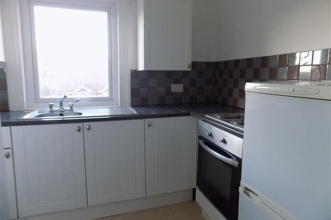 Thumbnail Flat to rent in Langney Road, Eastbourne