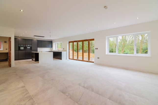 Thumbnail Detached house for sale in Park Avenue, Wilmslow, Cheshire