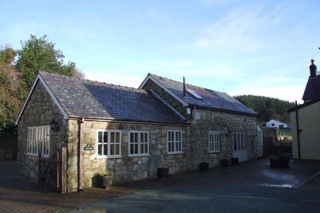 Thumbnail Barn conversion to rent in Llandegla, Wrexham