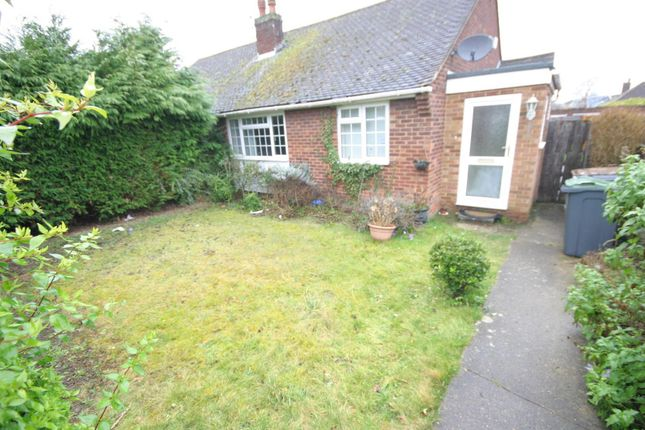 2 bed semi-detached bungalow to rent in Macaulay Road, Luton LU4