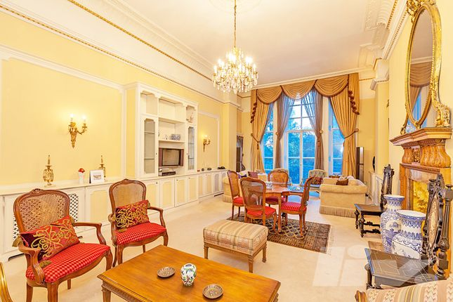 Thumbnail Flat for sale in Kensington Gore, London