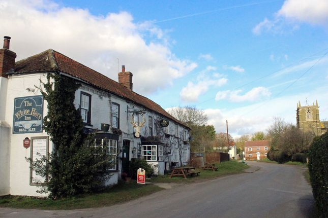 Thumbnail Pub/bar for sale in East Road, Horncastle