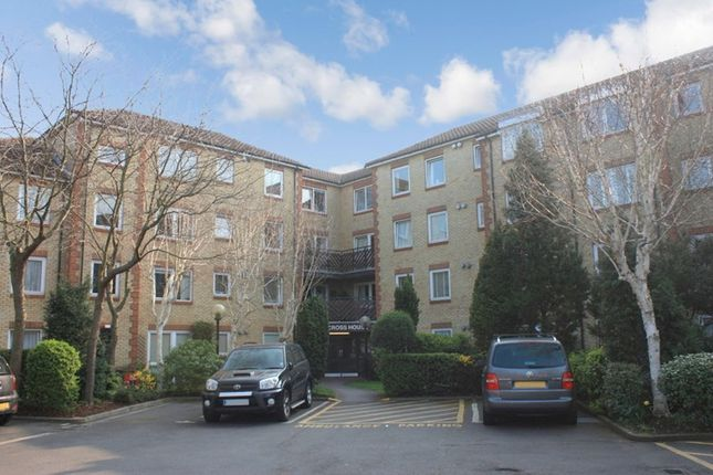 Thumbnail Flat for sale in Homecross House, Chiswick
